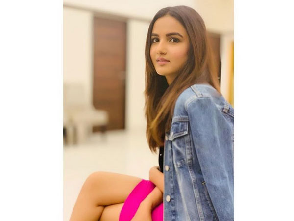 Jasmin Bhasin Recalls She Vomited Blood & Was In Coma When She Met With An Accident!