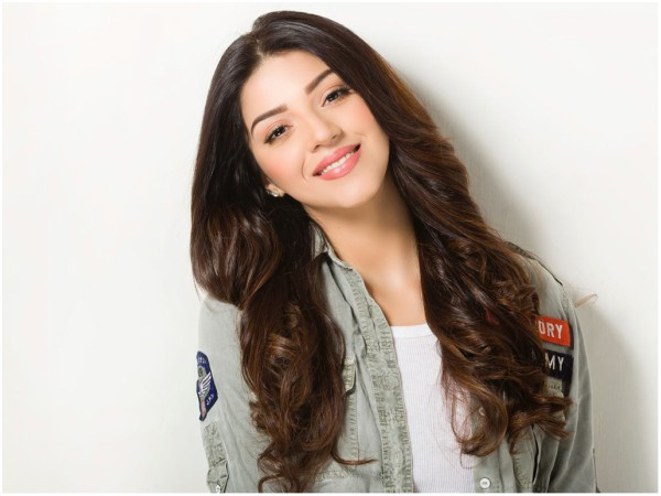 Mehreen Pirzada To Act Opposite This Nandamuri Hero Soon?