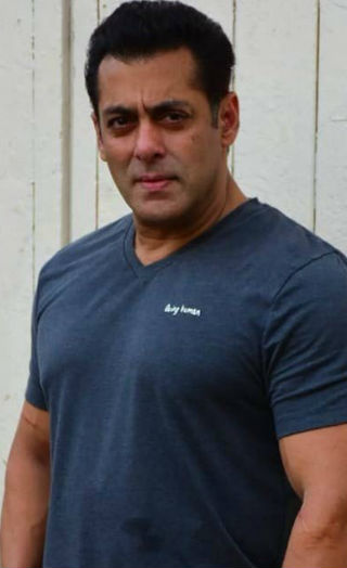 Salman Khan TAKES A SHARP JIBE At Priyanka Chopra Yet Again