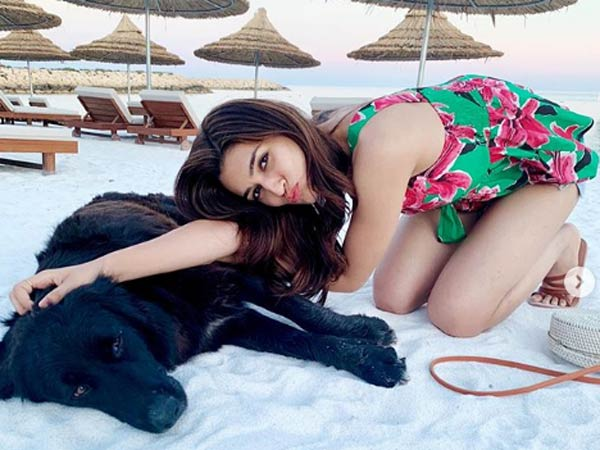 Kriti Sanon Holidays In Turkey With Someone Special, Calls It A 'Date'! View Pictures Here