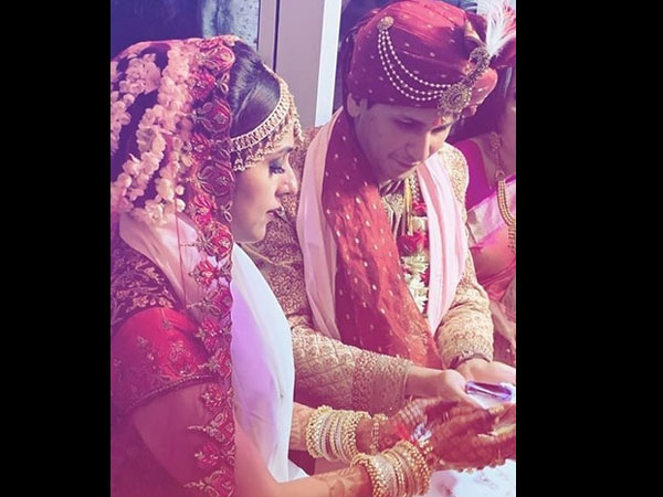 Aarti & Visharad Wedding Picture