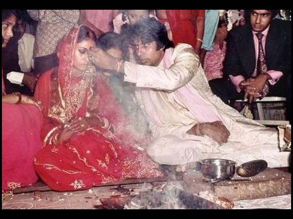 Amitabh Bachchan Puts Vermilion On Jaya Bachchan Forehead| Amitabh ...