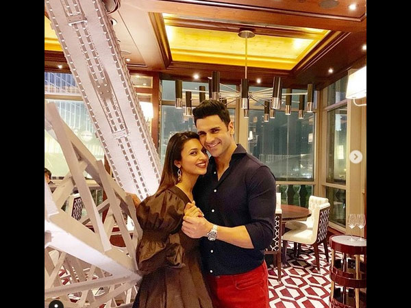 Divyanka Is Happy To Host With Vivek