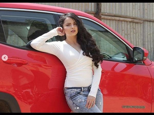Shrenu Parikh Reveals If She Would Wear A Bikini & Post The Picture!