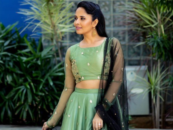 Anasuya Bharadwaj To Leave Jabardasth Show Due To This Reason?