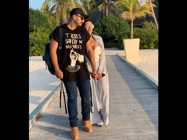 Malaika Arora Makes Her Relationship With Arjun Kapoor 'Instagram Official' With This Cute Photo!