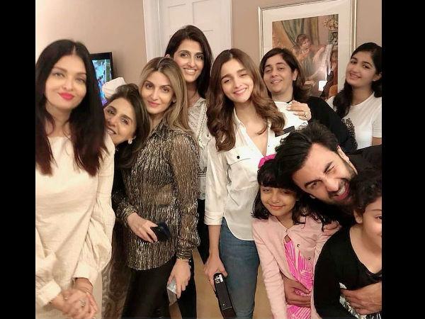 Ranbir & Aaradhya Steal All The Limelight From Aishwarya Rai & Alia While Posing With Rishi Kapoor!