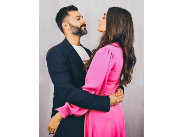 MOST READ: Sonam Kapoor, Anil Kapoor & Rhea Kapoor Wish Anand Ahuja A Happy B'Day With The Sweetest Messages!