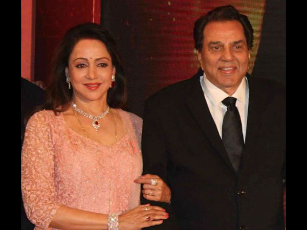 Dharmendra APOLOGIZES To Wife Hema Malini After Trolling Her: 'Humka Maafi De Diyo'
