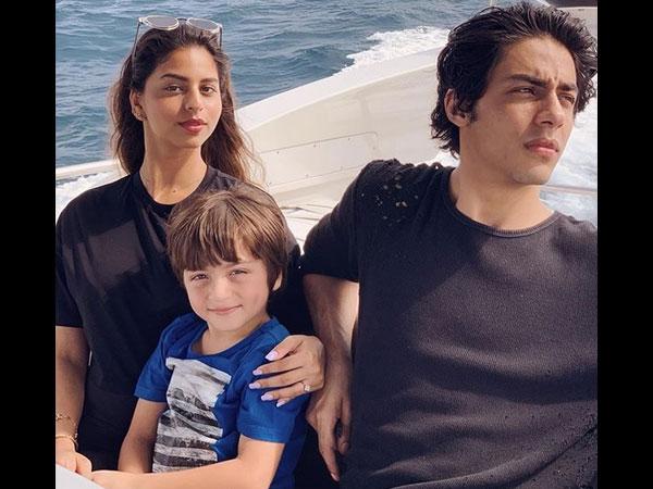 Shahrukh Khan's Maldives Diaries: His Kids Aryan, AbRam & Suhana Chill Like A Boss!