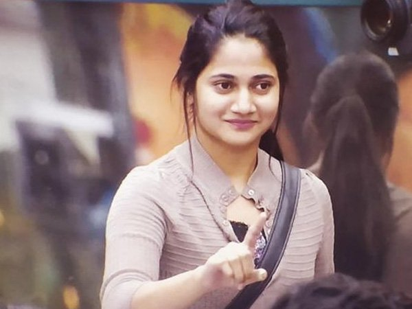 Losliya To Make Her Debut In Movies? The Bigg Boss Tamil 3 Contestant To Star Opposite This Hero?