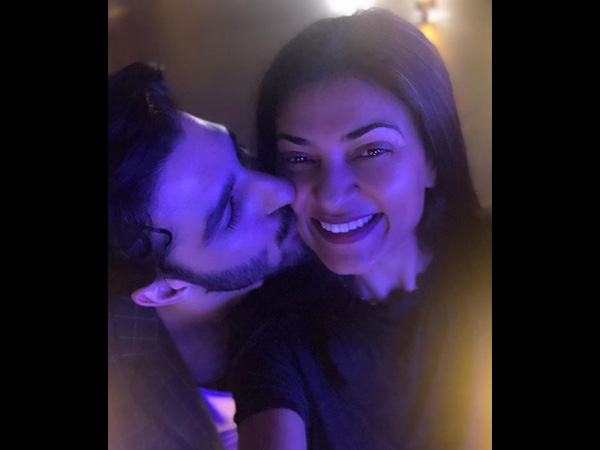 Sushmita Sen's Boyfriend Rohman Shawl Kisses Her; Tells Her, 'I Love Your Dimples'
