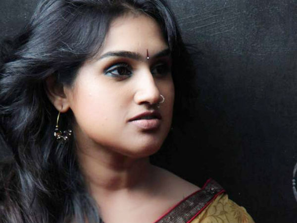 Vanitha Vijayakumar Gets Eliminated From Bigg Boss 3 Tamil; Mohan Vaidya & Reshma In Tears!