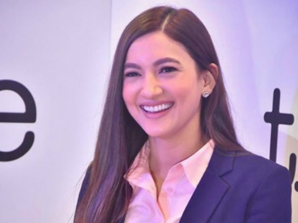 The Office's Gauahar Khan Reveals 5 Ways To Nail Office Politics!