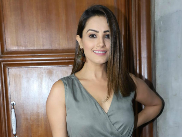 Anita Hassanandani Reacts To Reports On Her Being HIGHEST Paid Contestant On Nach Baliye 9!