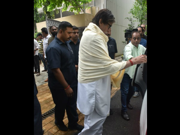 Amitabh Bachchan Was One Of The First Celebs To Arrive To Offer His Condolences