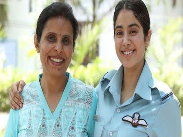 Jahnvi Kapoor Salutes Real Life Kargil Girl Gunjan Saxena On Latter S Birthday Filmibeat