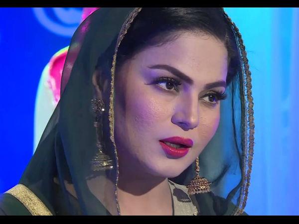 Veena Malik Distasteful Tweet Against Indian Army Makes