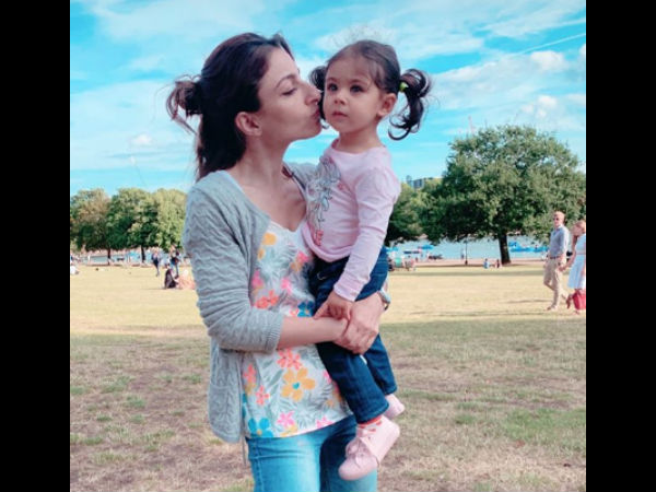ALSO READ: Soha Ali Khan Says Her One Year Old Daughter Inaaya Is CRAZY About Make-up!