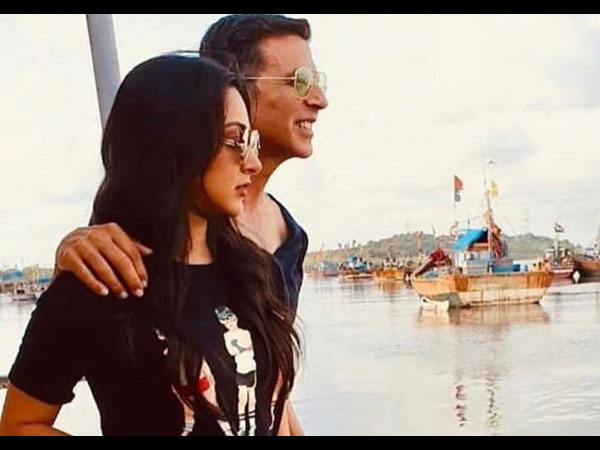 Laxmmi Bomb: Kiara Advani Shares Picture With Akshay Kumar From A Jetty Ride
