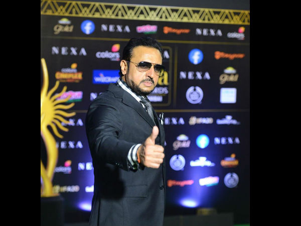 Gulshan Grover Gives A Thumbs-Up