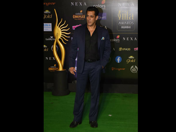Salman Walks In With Style