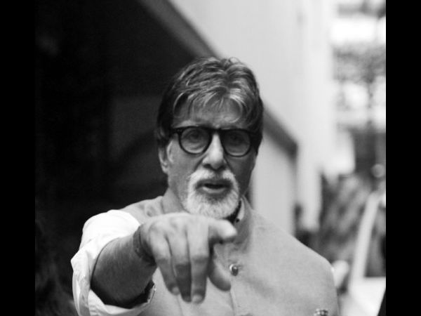 Amitabh Bachchan Gets THRASHED MERCILESSLY For Tweeting 'Metro Is The Solution For Pollution'