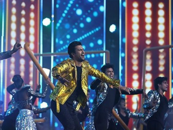 Vicky Kaushal Left Everyone Swooning Over His Dance Moves
