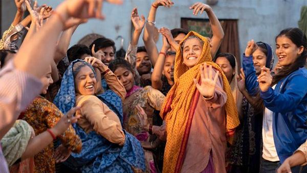 Saand Ki Aankh Trailer: Taapsee Pannu & Bhumi Pednekar Explode Fireworks On Screen!