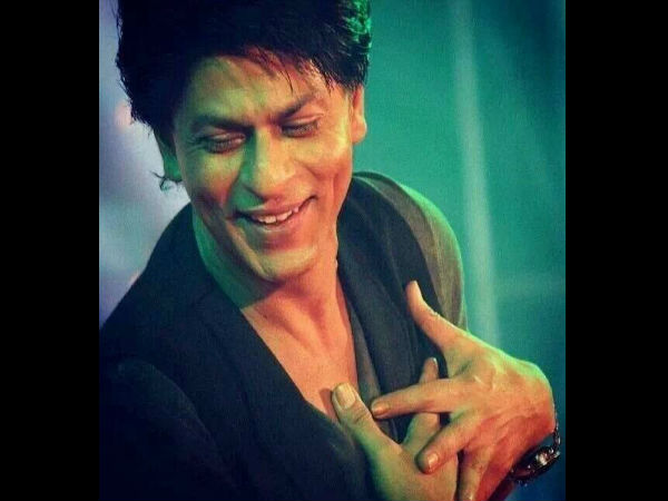 SRK Replies To A Differently Abled Fan Singing 'Tujhe Dekha