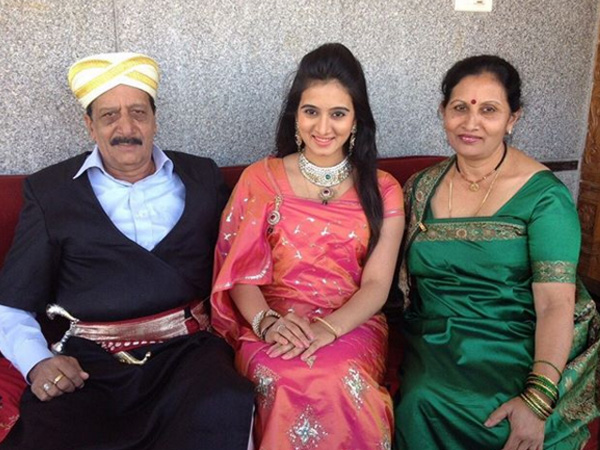 Sandalwood Actress Harshika Poonacha's Father Passes Away At 68