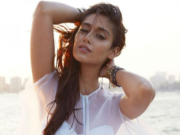 Ileana D'Cruz Is Convinced That She Sleep Walks, Thinks That Explains Her Waking Up With Bruises!