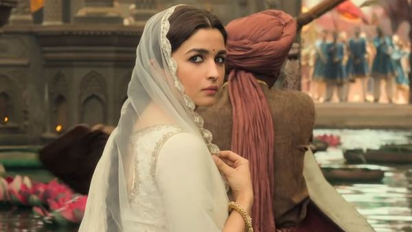 Ranbir Kapoor Helped Alia Bhatt Come Out Of 'Kalank' Failure