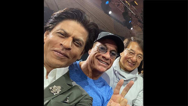 Shah Rukh Khan's Epic Selfie With Jackie Chan & Jean-Claude Van Damme Is Breaking The Internet!
