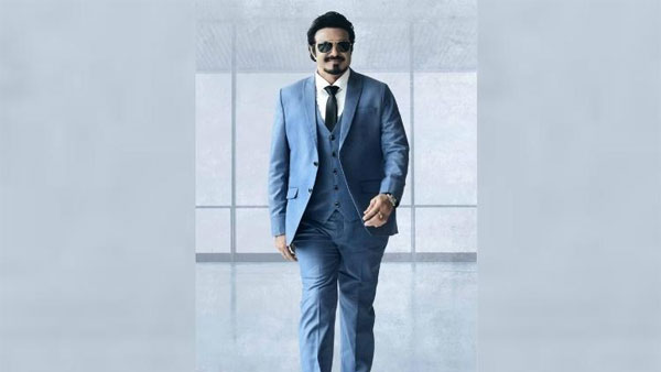 Balakrishna To Lock Lips With Vedhika In Ruler?
