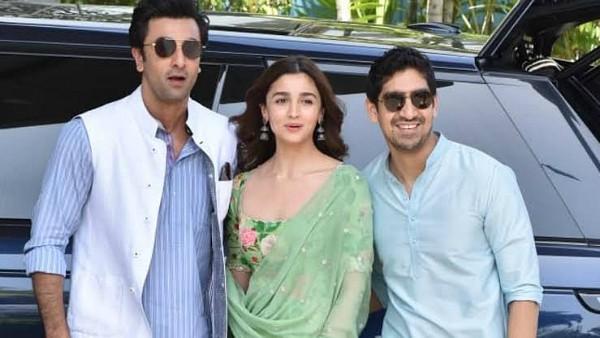 ALSO READ: Ranbir Kapoor And Alia Bhatt's Brahmastra Delayed Again? To Clash With Prithviraj And Dhaakad