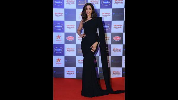 Star Screen Awards Red Carpet Pics: Deepika Looks Wow