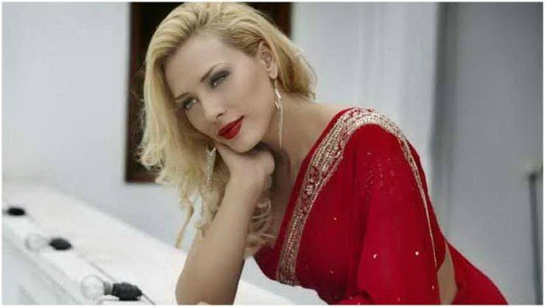 Iulia Vantur Says Her Bollywood Debut Hasn't Been Scrapped!