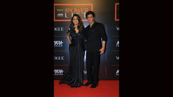 SRK's Chivalry Act For Wife Gauri Leaves Fans Impressed!