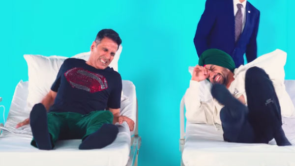 Video: Akshay, Diljit Scream While 'Experiencing Labour'!