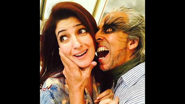 Akshay Kumar's Funny Anniversary Wish For Wife Twinkle; This Is What Their Married Life Looks Like!