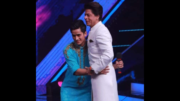SRK In Awe Of 'Fauji' Bhim Bahadur's Performance