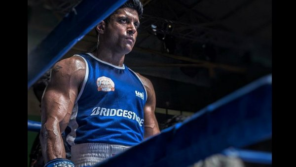 Toofan Trainer Taught Boxing To Farhan Akhtar The Way He Would To A 5-Year Old