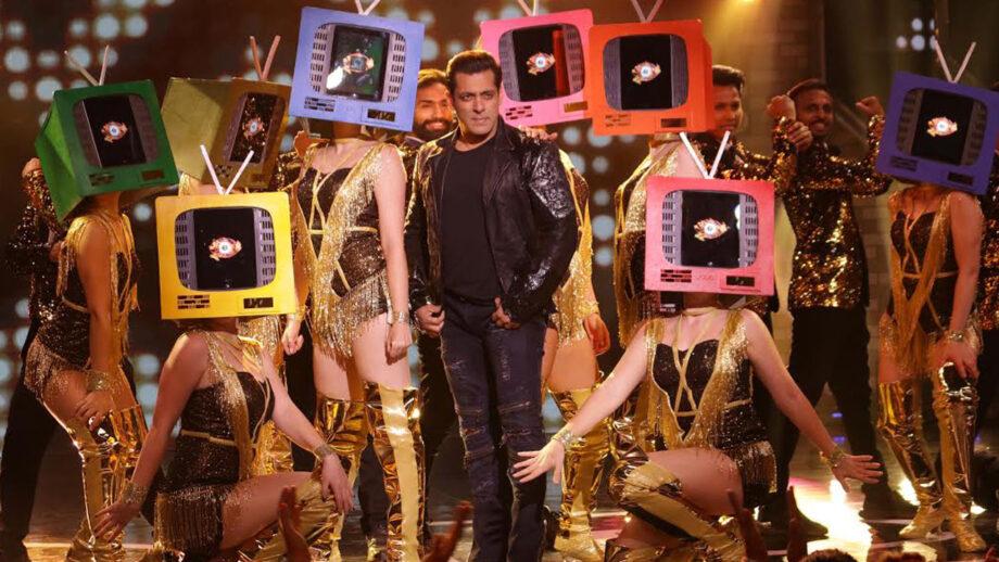 Salman Khan Performs