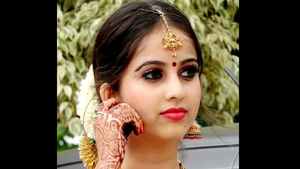 Niveditha Says Her Wedding Attire Was Chosen By Her Mother