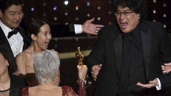 Oscars 2020: Bong Joon Ho's 'Parasite' Becomes First South Korean Film To Win Best Picture Award