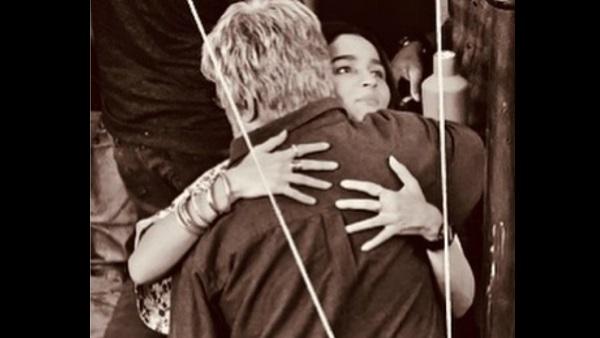 Amitabh Bachchan Gives Alia Bhatt A Warm Hug