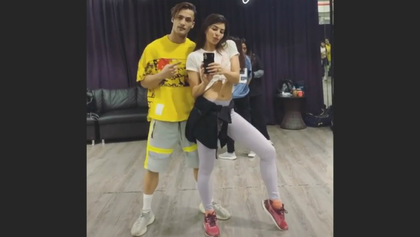Asim Riaz Rehearses With Jacqueline Fernandez For A Music Video; Picture Goes Viral