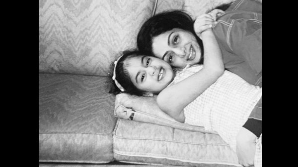 Sridevi's 2nd Death Anniversary: An Emotional Janhvi Kapoor Remembers Her Mother With A Note