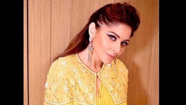 Kanika Kapoor Shares Emotional Note After Testing Positive For COVID-19 For The Fourth Time!